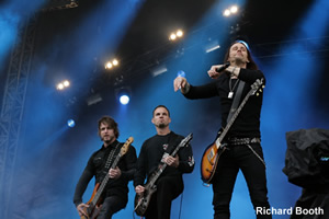 Download show photos