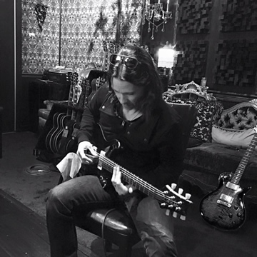 AB V: Myles Recording Guitars!